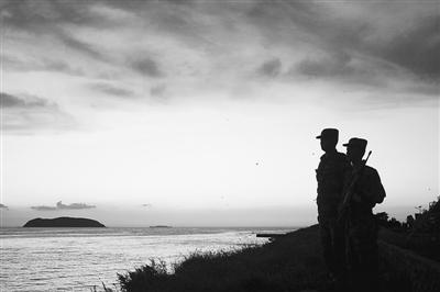 竹山岛战士守卫祖国的海防.王卫星