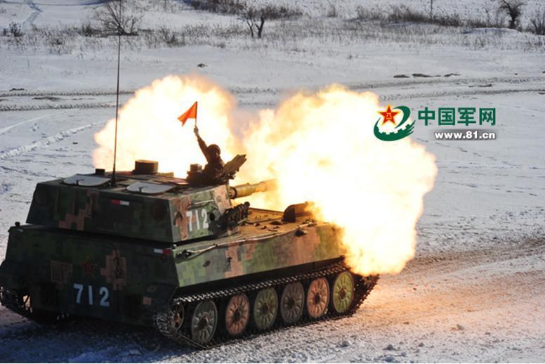 沈阳军区重装部队99a坦克雪地狂飙(组图)