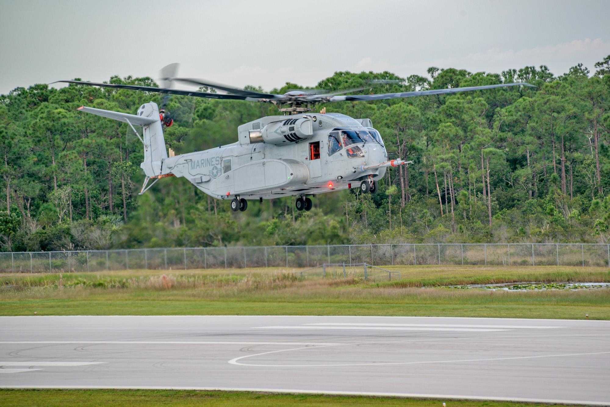 美国CH 53K直升机首飞 最大起飞重量超38吨 图