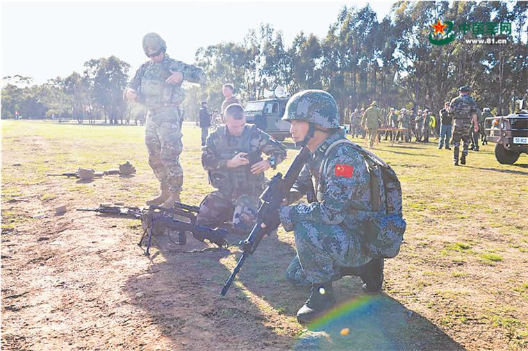 """5弹1孔,维和军人用实力擦亮属于中国的""""陆军枪王""""招牌"""